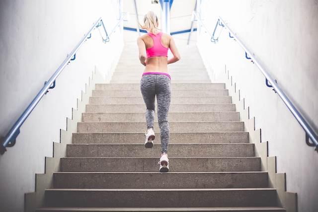 筋肉貯金体操・筋トレ・食事・正しい歩きかたと座りかた