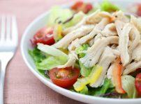 家政婦マコさんの鶏むね肉とキウイのマリネのレシピ